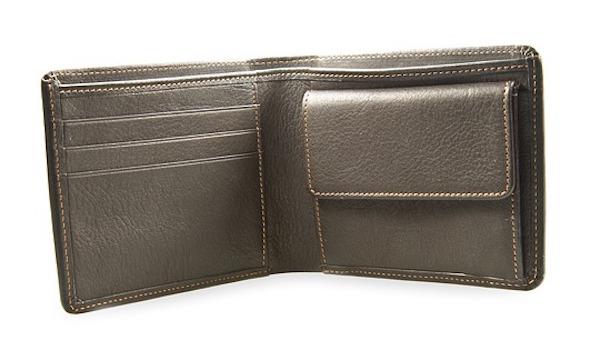 収納が少ないシンプルな財布が良い